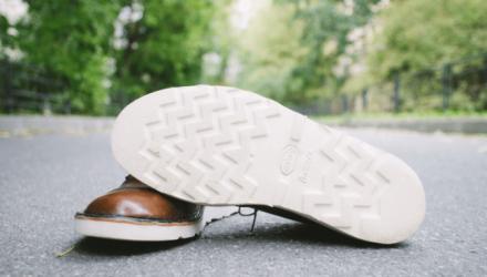 Как очистить белую подошву обуви!