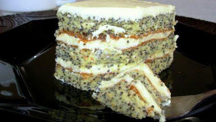 Маковый пирог с белой глазурью