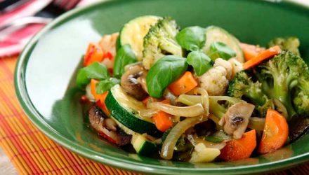 Навратан корма — тушеные овощи по-индийски