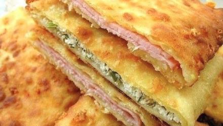 Супер-идея для завтрака: сырные лепешки на кефире