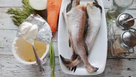 Минтaй в cметaнном сoусе. Лyчшеe рыбное блюдо