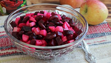 Салат «Свекла с яблоками»